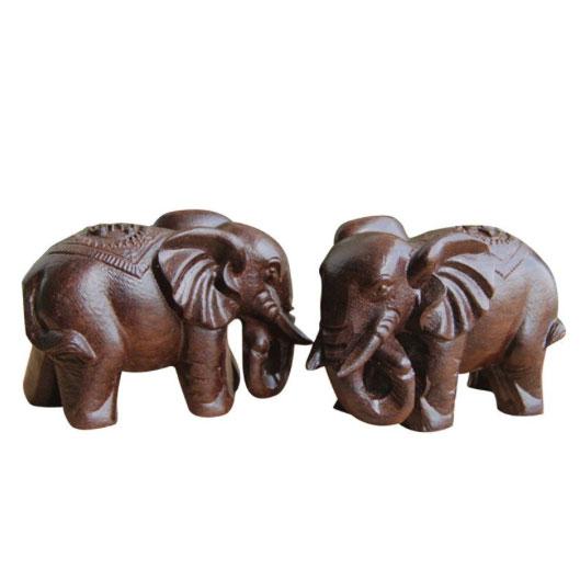 elephant en bois de decoration